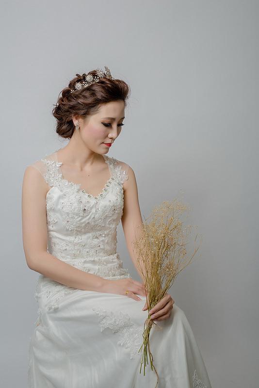 嘉義新秘婚紗創作 | 白紗造型 韓風盤髮 大皇冠造型 模特兒:香奈兒