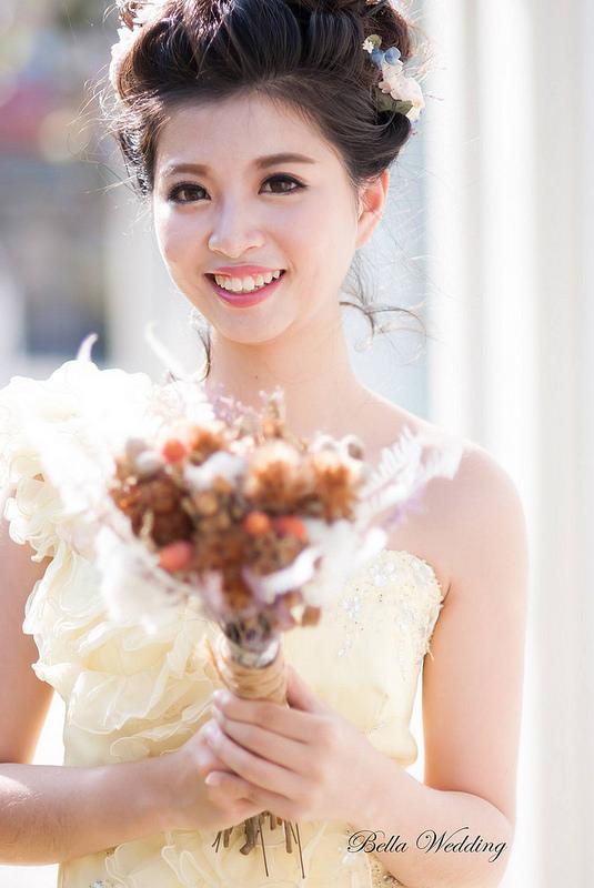 嘉義新秘,新娘秘書,雲朵clouds餐廳,花苞新娘造型,萌萌大眼妝,乾燥花造型