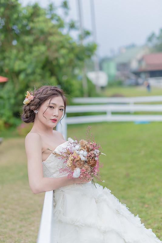 嘉義自助婚紗創作 | 白紗造型 韓風編髮 乾燥花頭花 模特兒:金妖嬌